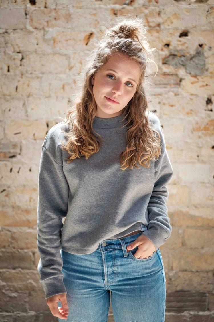 ÄSTHETIKA Sweatshirt Cropped - LA FORCE FÉMININE grey/black front