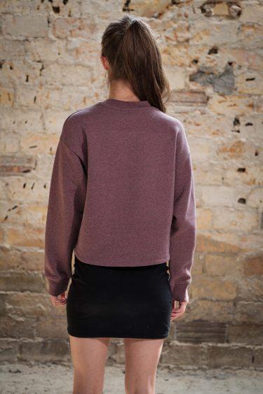 ÄSTHETIKA Sweatshirt Cropped - THE DEER cranberry/black back