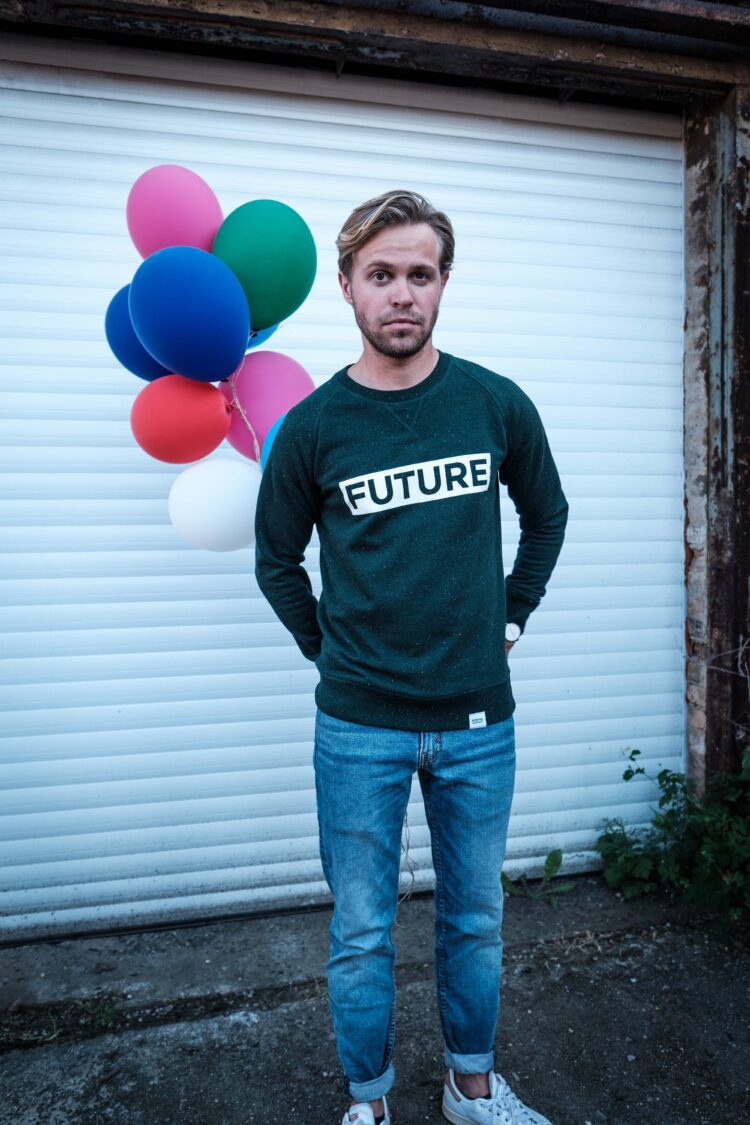 ÄSTHETIKA Sweatshirt - FUTURE scarab green/white mood