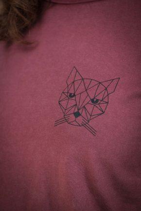 AESTHETIKA T-Shirt - THE CAT burgundy/black detail