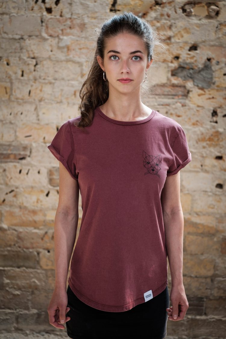 AESTHETIKA T-Shirt - THE CAT burgundy/black front