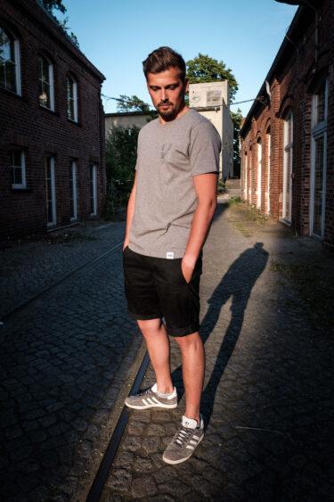 ÄSTHETIKA T-Shirt - THE DEER grey/black mood