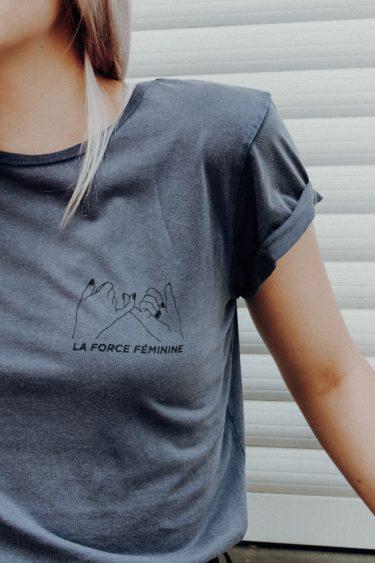 T-Shirt Roll Up - LA FORCE FÉMININE stone washed blue/black detail