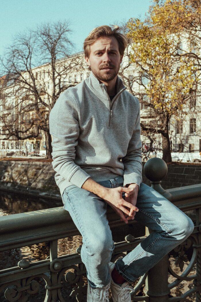 Sweatshirt Trcuker – OBERBAUM grey/black front