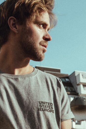 T-Shirt bold united states of europe grau/schwarz detail