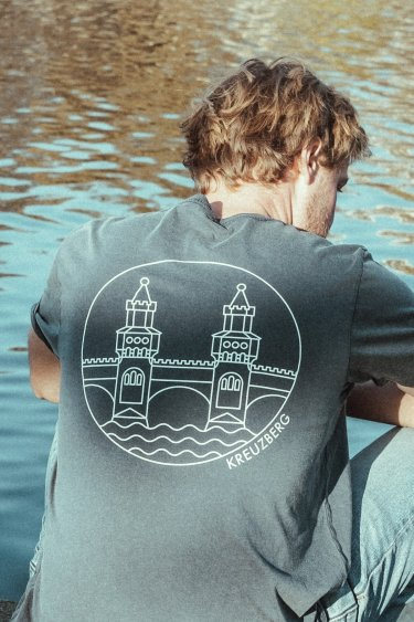 T-Shirt – OBERBAUM blue/white detail