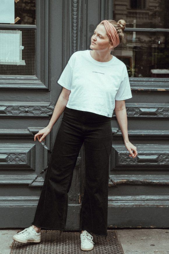T-Shirt cropped La Force Féminine mini weiß schwarz