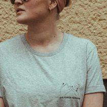T-Shirt Kleid – LA FORCE FÉMININE grau/schwarz deteil