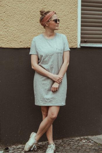 T-Shirt Kleid – LA FORCE FÉMININE grau/schwarz